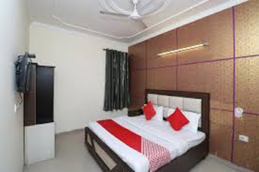 Oga Mayank Residency Airport Hotel