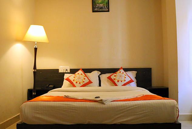 Oga Orange Corner Kempegowda